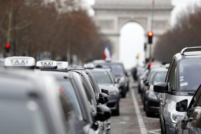 La grève des taxis s'annonçait comme le mouvement... (PHOTO THOMAS SAMSON, AFP)