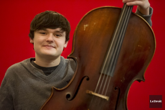 Noël Campbell, un jeune violoncelliste d'Alexandria, sera de... (Martin Roy, LeDroit)