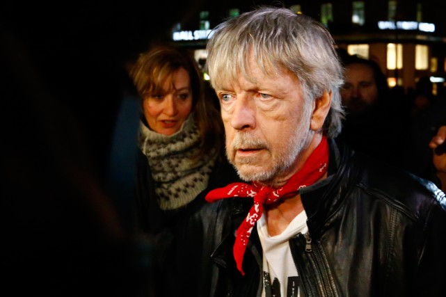 Renaud a pris part au rassemblement marquant le... (PHOTO FRANÇOIS MORI, ASSOCIATED PRESS)