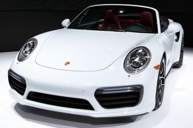 La Porsche 911pourrait être proposée avec un groupe... (PHOTO REBECCA COOK, REUTERS)