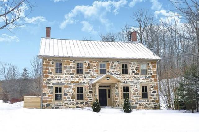 La maison de Gregory Charles à Dunham est... (tirée du site de Royal Lepage)