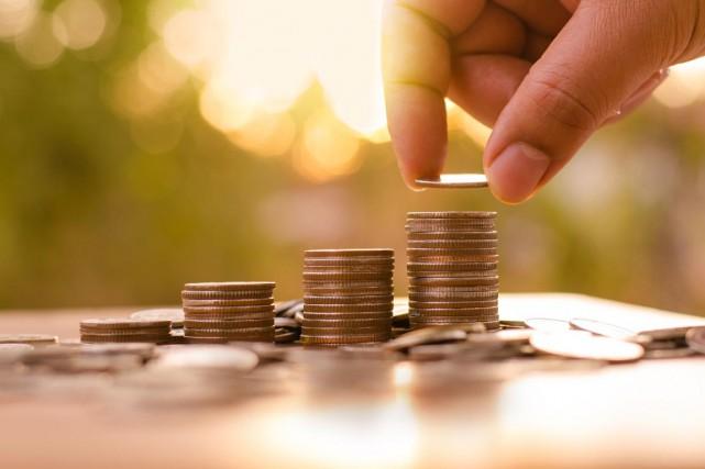 «Les travailleurs au salaire minimum continuent de s'appauvrir»,... (123RF, A. Singkham)