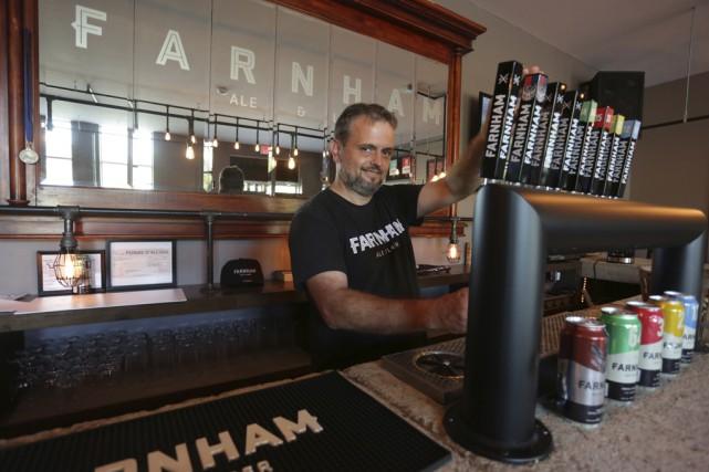 Jean Gadoua, de la microbrasserie Farnham Ale&Lager, se... (photo archives La Voix de l'Est)