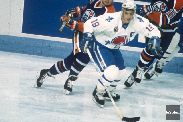 Le capitaine des Nordiques Joe Sakic en 1993... (Archives Le Soleil)