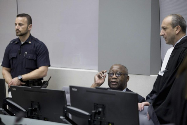 Laurent Gbagbo (au centre) est le premier ex-chef d'État... (PHOTO PETER DEJONG, AFP)