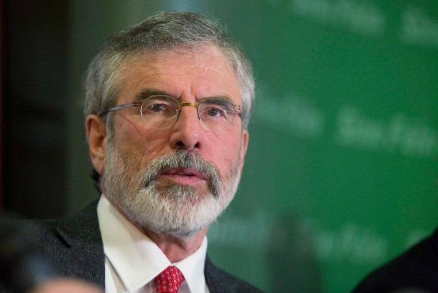 Gerry Adams, leader du parti républicain irlandais Sinn... (PHOTO ARCHIVES REUTERS)