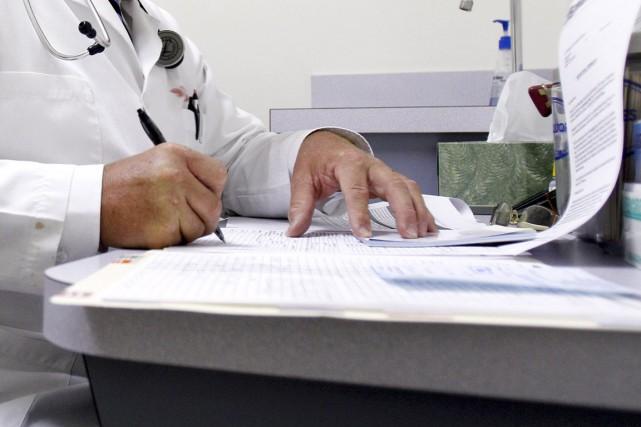 Étienne Tran, un montréalais qui s'est fait passer pour un médecin sans en... (Photo archives The New York Times)