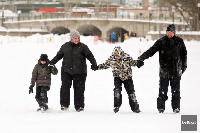 La deuxième saison de la patinoire du ruisseau de la Brasserie sera lancée... (Martin Roy, Archives LeDroit)