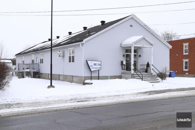 L'immeuble appartenant à la Légion royale canadienne a... (Janick Marois, La Voix de l'Est)