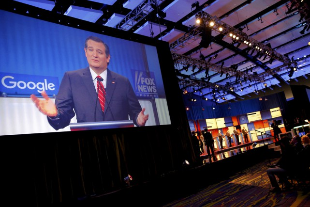 Ted Cruz durant le débat tenu à Des... (Photo Carlos Barria, Reuters)