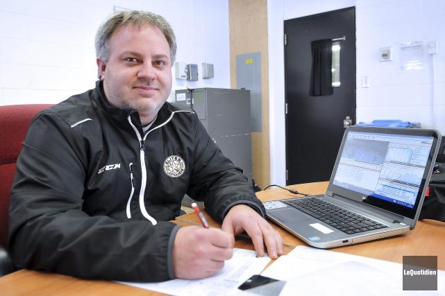 Le directeur de la structure intégrée des Élites,... (Photo Le Quotidien, Rocket Lavoie)