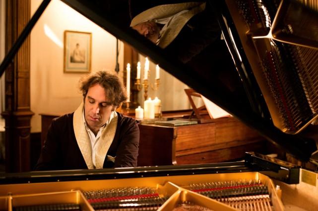 Chilly Gonzales sera en spectacle au Palais Montcalm... (Alexandre Isard)