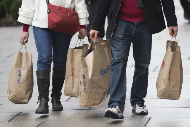 Les ventes des grands magasins aux États-Unis sont... (PHOTO ARCHIVES AFP)