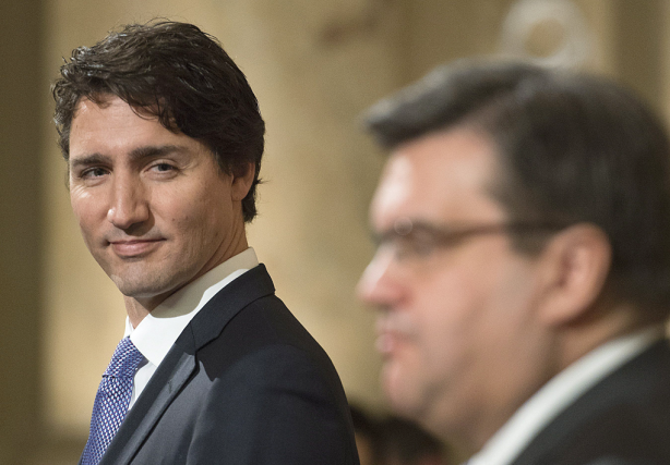 «Justin Trudeau a promis, hier, de mesurer l'impact... (Photo Graham Hughes, La Presse Canadienne)