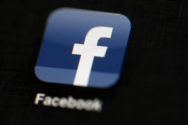 Facebook et Instagram avaient déjà restreint en 2014... (Photo Matt Rourke, archives AP)