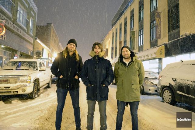 Trois rockers sous la neige, une image poétique... (Photo Le Quotidien, Jeannot Lévesque)