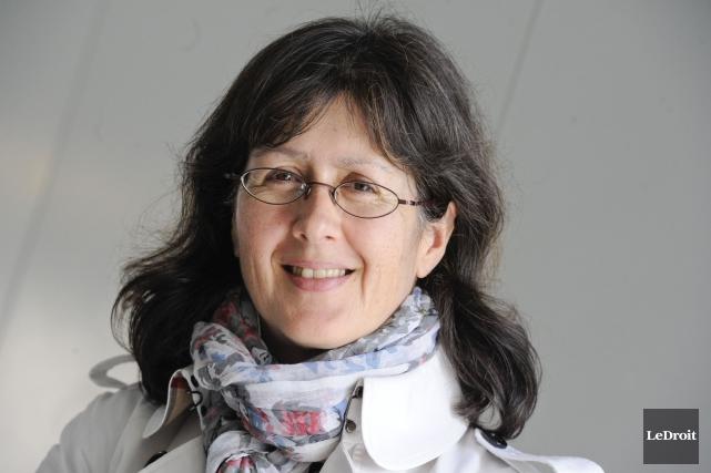 La professeure Linda Cardinal est spécialiste des langues... (Martin Roy, Archives LeDroit)