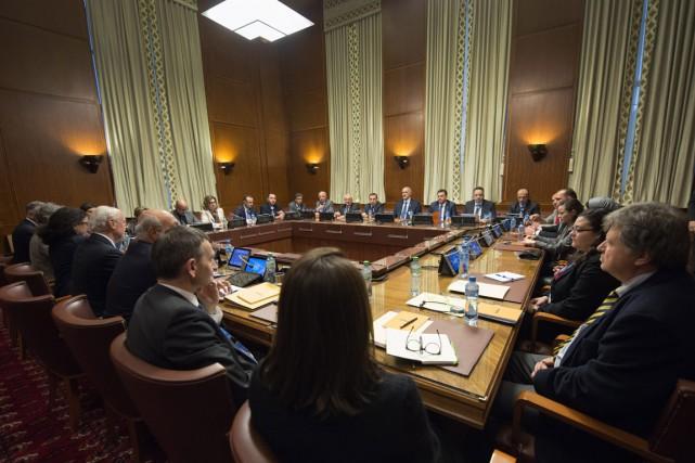 Les pourparlers de paix ont débuté vendredi à... (Photo Martial Trezzini, AP)