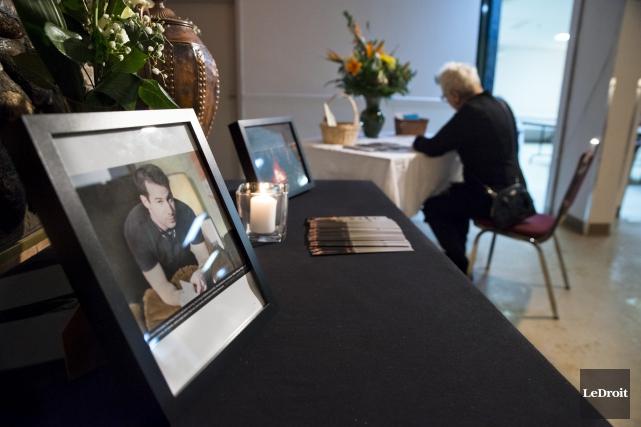 Les proches de Matthiew Klinck lui ont rendu... (Martin Roy, LeDroit)