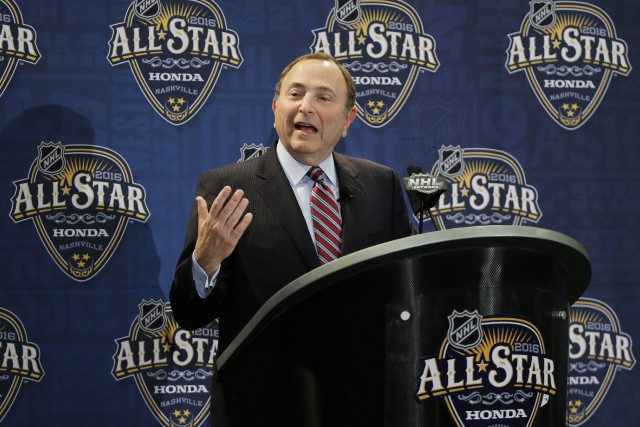 Le commissaire de la LNH, Gary Bettman... (Photo Mark Humphrey, AP)
