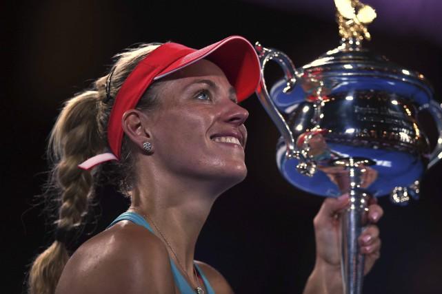 Angelique Kerber peinait à croire qu'elle tenait le... (AFP, Greg Wood)