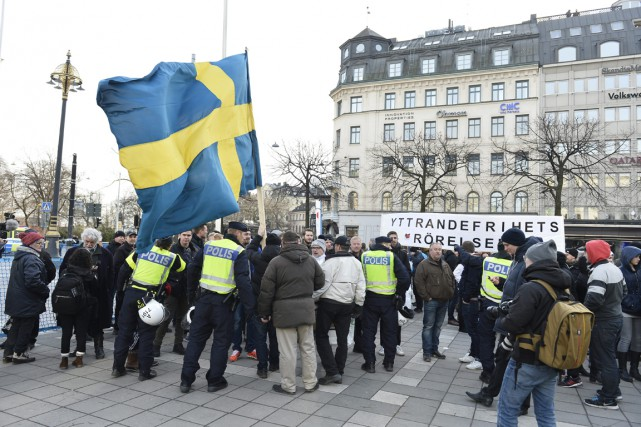 Des manifestants à Stockholm.... (Photo AP)