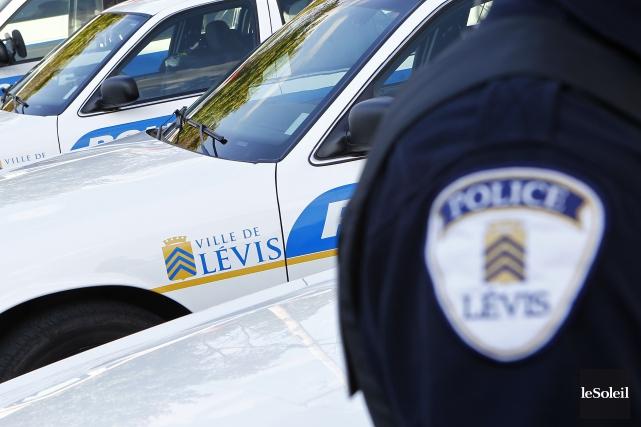 Selon la police de Lévis, le coureur a... (Photothèque Le Soleil, Yan Doublet)