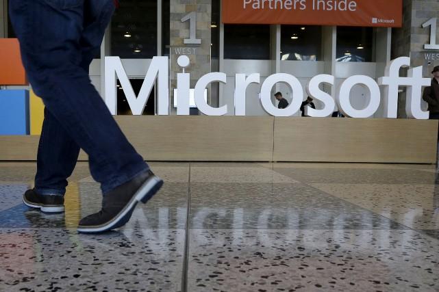 Le groupe informatique américain Microsoft envisage d'installer des centres de... (AP, Jeff Chiu)