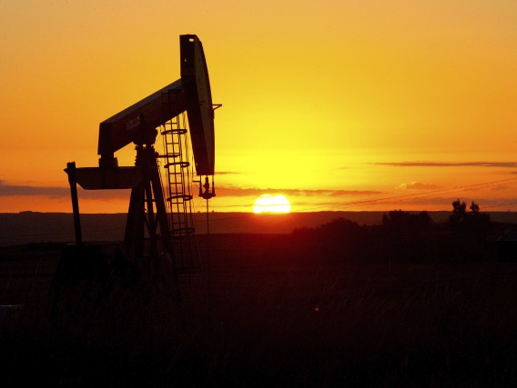 Le pétrole a fini en baisse de 2... (AFP, Karen Bleier)