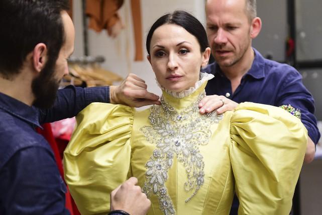 La Russe Anna Tsygankova interprète Mata Hari.... (AFP, Emmanuel Dunand)