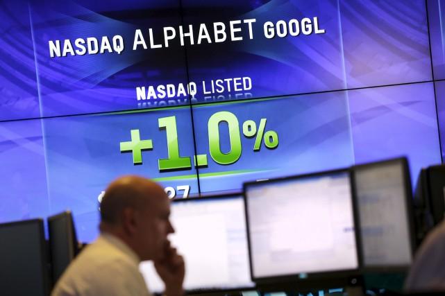 La maison mère de Google, Alphabet, est bien... (AP, Mark Lennihan)