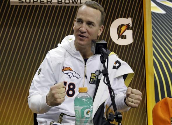 Peyton Manning participait, lundi, àla soirée des médias... (AP, David J. Phillip)