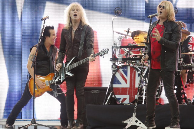 Def Leppard en spectacle au Wembley de Londres... (PHOTO ARCHIVES AP)