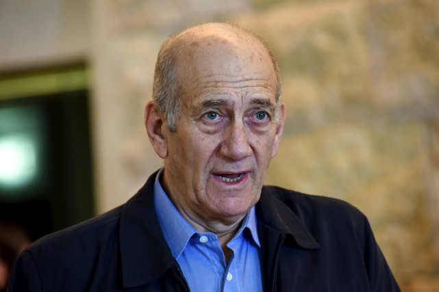 Ehud Olmert, qui a été une figure centrale... (PHOTO ARCHIVES REUTERS)