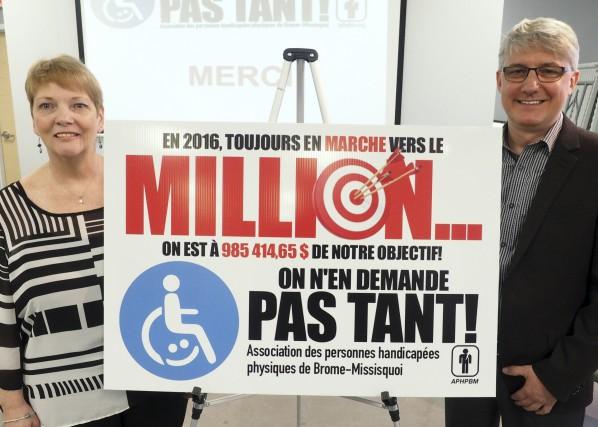 Frances Champigny, présidente de l'Association des personnes handicapées... (Photo Alain Dion)