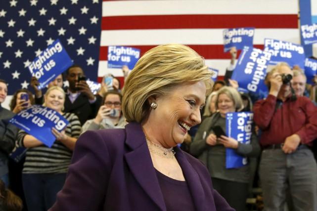 Hillary Clinton s'est présentée devant ses partisans à... (PHOTO REUTERS)