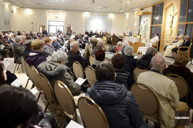 Toutes les congrégations religieuses de la région se sont rassemblées à... (Photo Le Quotidien, Jeannot Lévesque)