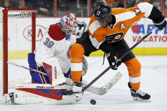 Wayne Simmonds a marqué deux fois contre le... (Associated Press)