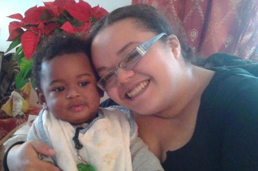 Nayla Michaela Gomez et son enfant.... (PHOTO FOURNIE PAR LA POLICE DE LONGUEUIL)
