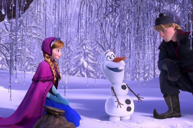 Les personnages d'Anna, Olaf et Kristoff dans une... (PHOTO FOURNIE PAR DISNEY)