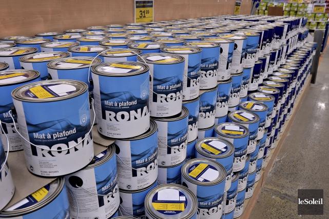 Un étalage de la quincaillerie Rona L'Entrepôt de... (Le Soleil, Patrice Laroche)