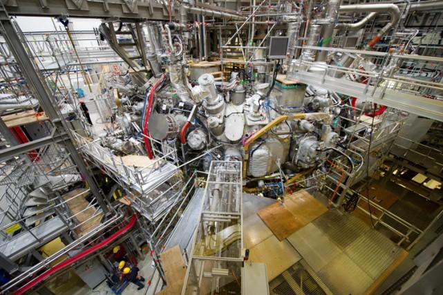 L'énergie tirée de la fusion nucléaire est considérée... (PHOTO AP)