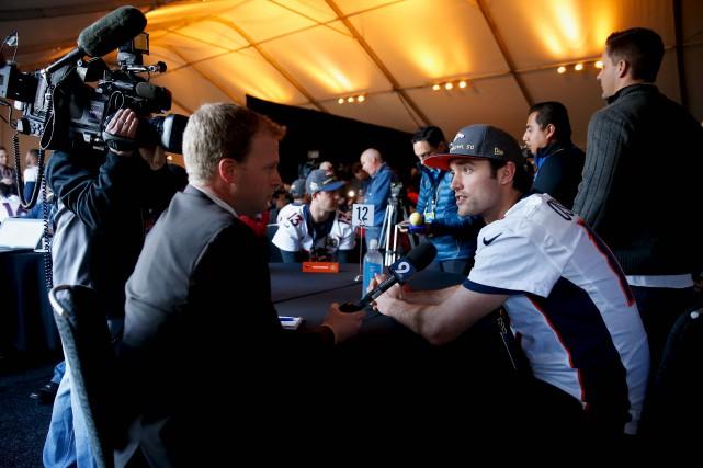 Le quart réserviste des Broncos, Brock Osweiler, a... (AFP, Ezra Shaw)