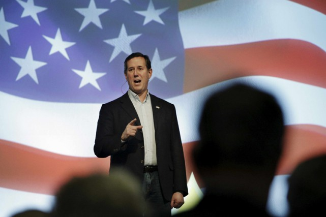 Rick Santorum... (PHOTO REUTERS)