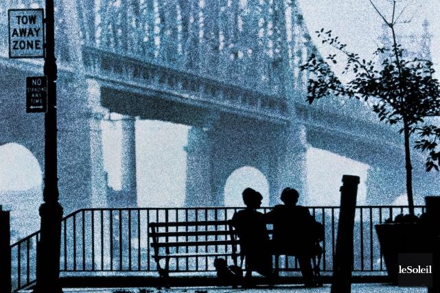 L'affiche du film Manhattan de Woody Allen, sorti... (Photothèque Le Soleil)