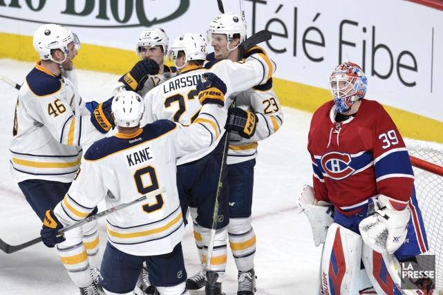 Les Sabres ont marqué trois buts en troisième... (La Presse, Bernard Brault)