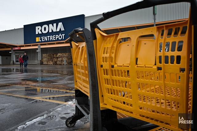 Rona a accepté une offre de 3,2 milliards... (photo Patrick Sanfaçon, La Presse)
