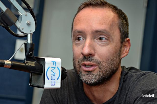 Sylvain Bouchard, animateur à lastation de radio FM93.... (PHOTO PATRICE LAROCHE, ARCHIVES LE SOLEIL)