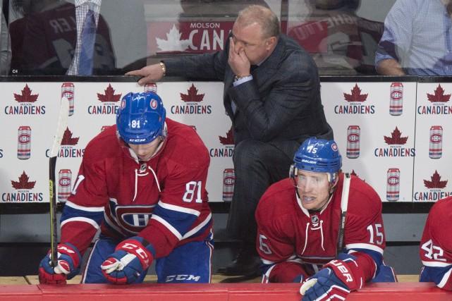 Après la défaite contre les Sabres de Buffalo... (La Presse Canadienne, Paul Chiasson)