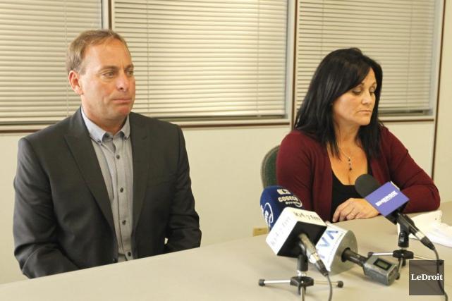 Marc Cormier et sa conjointe, Manuela Gonzalez, lors... (Simon Séguin-Bertrand, Archives LeDroit)